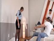 Mujer policia doblemente penetrada