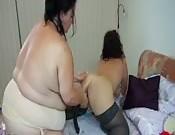Gorda madura follándose a su novia