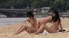 Triple premio para el voyeur de la playa